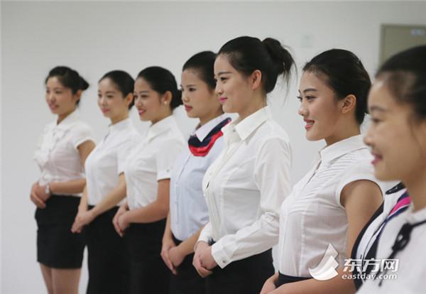 东航2015空姐招聘现场美女云集 中国搜索
