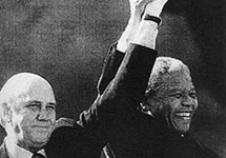 1994年曼德拉宣誓就任南非新总统